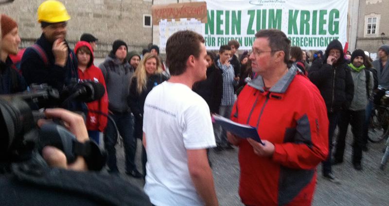 tom stadlauer bedankt sich bei der polizei (foto: bernhard jenny)