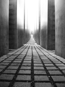 holocaust mahnmal barlin foto: jmc photos cc http://www.flickr.com/photos/jmcphotos/1361545671/sizes/l/in/photostream/